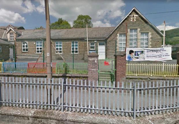 Trường Ysgol Gynradd Gymraeg Bodringallt là nơi phát hiện xác con cá sấu.
