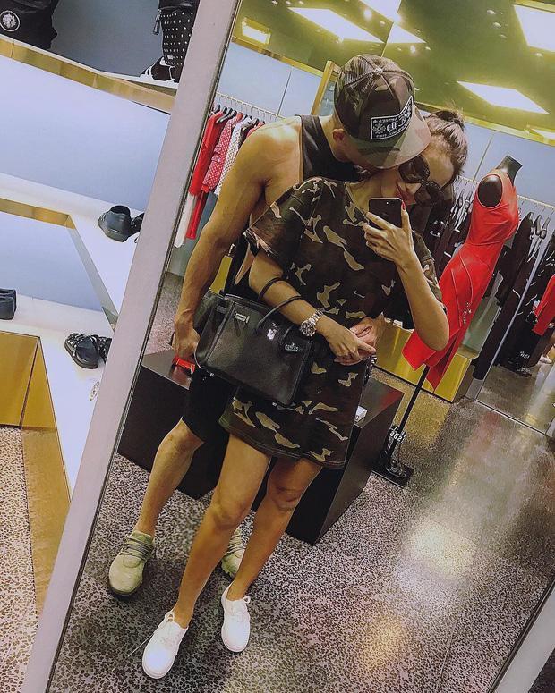 Hotgirl Meo Meo đã chịu chụp chính diện gương mặt chồng mới cưới, nhưng vẫn nhất quyết lấy tay che lại ảnh 6