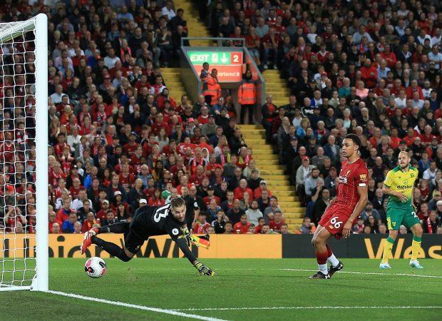 Dẫn trước 4 bàn ngay trong hiệp 1, các cầu thủ Liverpool chủ động giảm nhịp độ trận đấu.