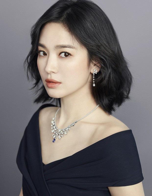 Song Hye Kyo và Goo Hye Sun đều có sự nghiệp nổi bật hơn chồng.