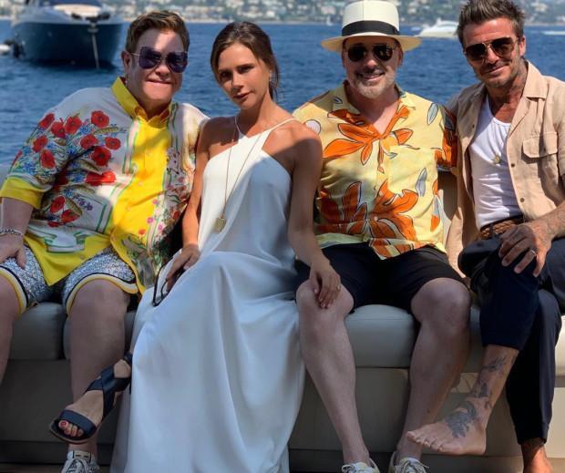 Được biết, chiếc du thuyền này của Elton John - người đang nhận đỡ đầu cho con trai Beckham là Brooklyn.