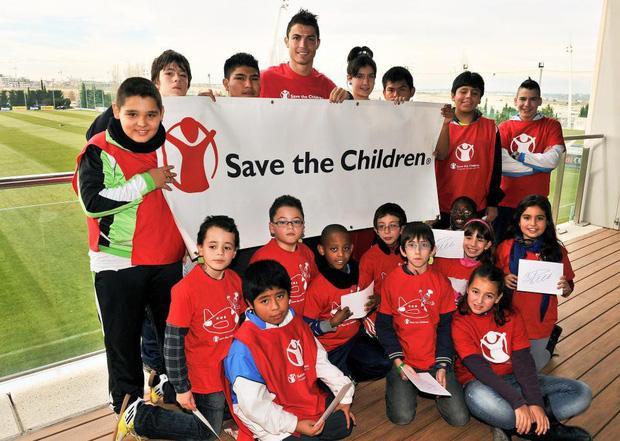 Ronaldo là đại sứ của 3 quỹ từ thiện lớn vì trẻ em.