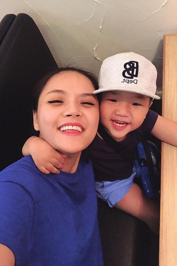 Loạt biểu cảm đáng yêu hết phần người khác của con trai Thu Quỳnh khi bên mẹ vào dịp cuối tuần ảnh 0