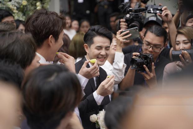thử thách ăn chanh trong đám cưới Đông Nhi, Ông Cao Thắng khiến nhiều người thích thú