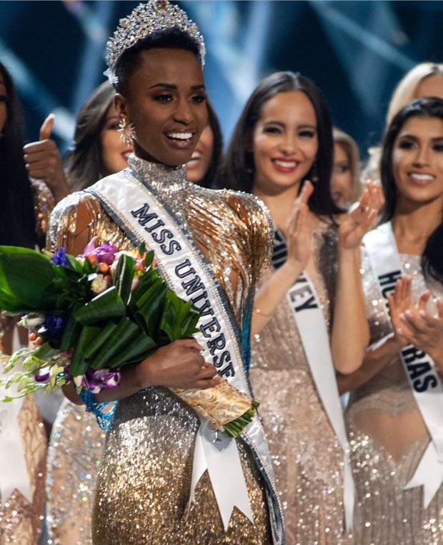 Khoảnh khắc đăng quang của người đẹp Nam Phi tại Miss Universe 2019
