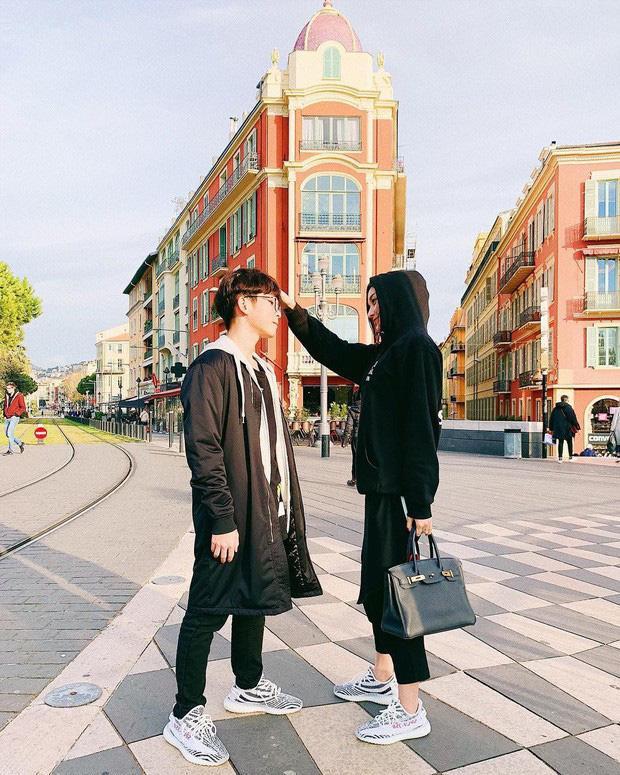 Mỗi khi đăng hình với em trai, Huyền My thường xuyên được nhiều fan vào bình luận xin làm… em dâu của nàng Á hậu.