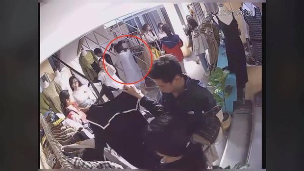 Cô gái có hành động xấu xí tại shop quần áo được nhắc tới.
