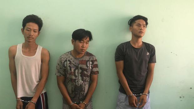 Nhóm đối tượng tại cơ quan công an. Ảnh: Nhịp Sống Việt