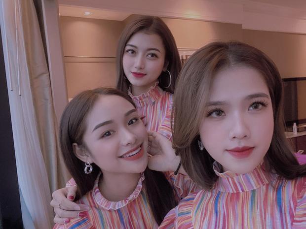 Cả ba sang Thái Lan sớm hơn một ngày để vi vu khắp nơi
