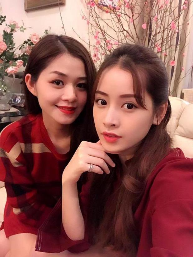 Chi Pu cùng chị gái ruột của mình