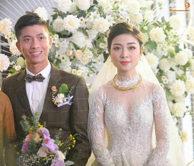 Nhật Linh bị nhận xét là kém sắc tại lễ cưới. (Nguồn ảnh: Sport5)