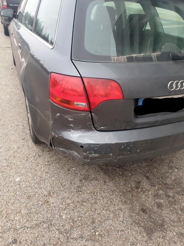 Chiếc xe do Zidane vô tình đâm phải.