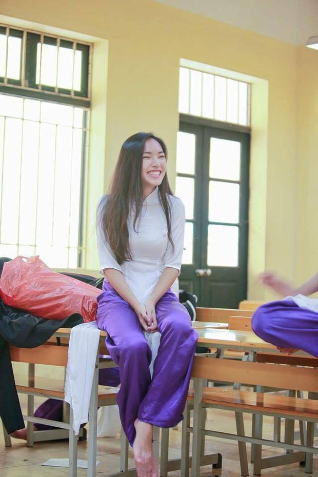Loạt ảnh thời học sinh gây bất ngờ của các hotgirl Việt: Người nhí nhảnh năng động, người có màn lột xác 'đỉnh cao' ảnh 7