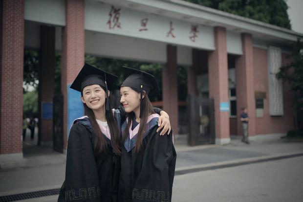 Cặp chị em sinh đôi xinh đẹp, giỏi giang nổi tiếng một thời khi cùng tốt nghiệp Đại học Harvard giờ ra sao? ảnh 3