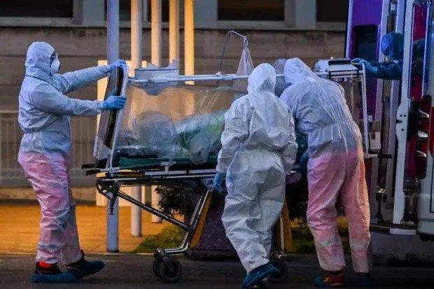 Ý là quốc gia châu Âu bị ảnh hưởng nặng nề nhất bởi đại dịch Covid-19 với hơn 3.400 người chết.