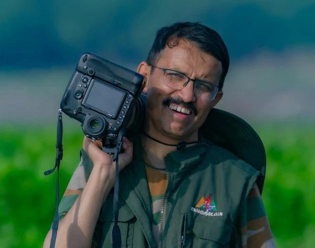 Nhiếp ảnh gia Prakash Badal chụp lại những bức ảnh khi đến thăm một ngôi làng gần Himachal Pradesh ở Ấn Độ.