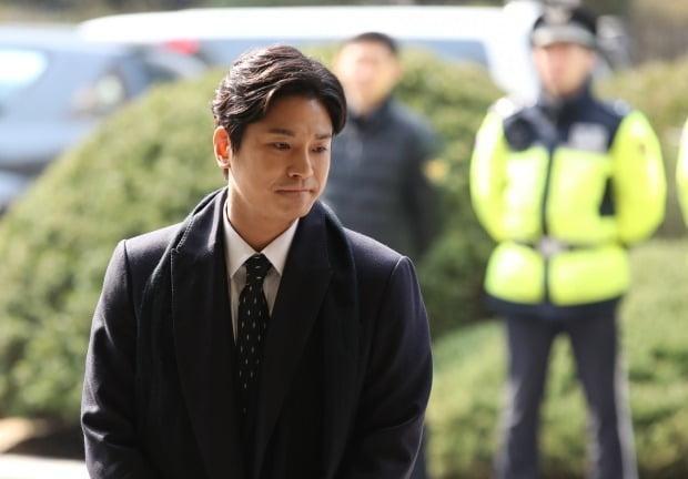 Người bóc phốt bê bối Seungri (Bigbang): Tiết lộ thành viên và clip 18+ trên Phòng chat thứ N! ảnh 4