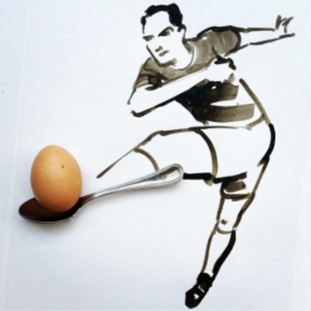 """chàng cầu thủ chân """"muỗng"""" sút bóng """"quả trứng"""" ghi bàn"""