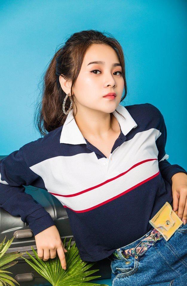"""Khi đang được công chúng quan tâm, Tam Triều Dâng bất ngờ """"ở ẩn"""" sau khi tốt nghiệp THPT. Thời gian gần đây, cô bắt đầu quay lại showbiz và nhận được nhiều sự chú ý."""