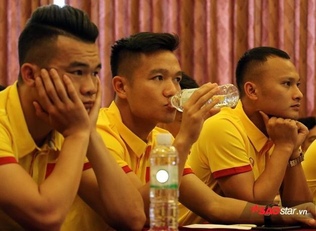 Đinh Thanh Trung (giữa).