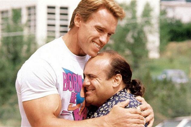 Arnie rất thích bộ phim hài Twins - Anh em sinh đôi (1988). Ông sắp thỏa ước nguyện được đóng phần tiếp theo mang tên Triplets - Anh em sinh ba. Ảnh: Outnow.