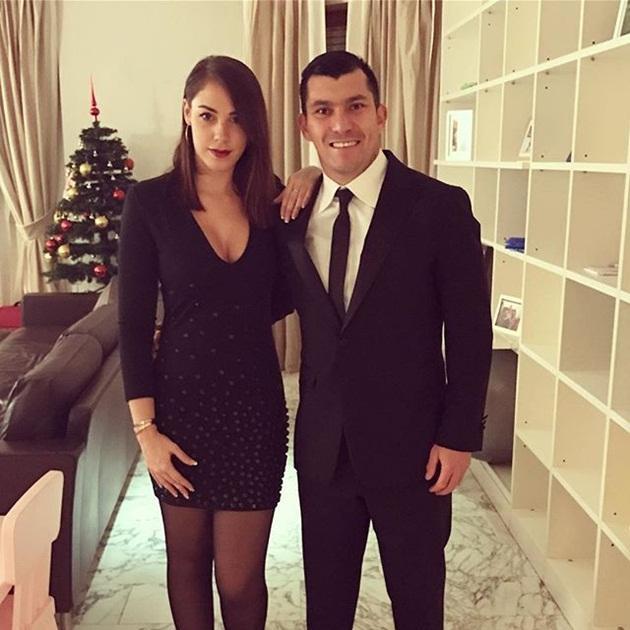 Kết hôn với Gary Medel từ năm 2012, cô đã hạ sinh cho cầu thủ này 1 đứa con trai kháu khỉnh.