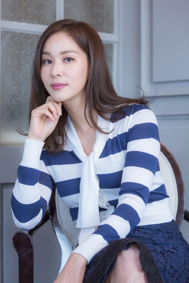 Go So Young rụng tóc, già đi sau bê bối săn gái ngành của Jang Dong Gun ảnh 4