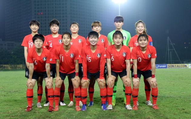 Đối thủ của họ là U19 nữ Hàn Quốc chắc chắn đi tiếp sau 2 chiến thắng trước Lebanon và Iran trước đó.Ảnh:VFF