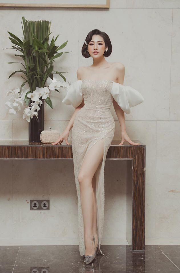 Từ khi đăng quang, Á hậu Tú Anh luôn được biết đến với nhan sắc xinh đẹp, dáng vóc hoàn hảocùng chiều cao 1m73