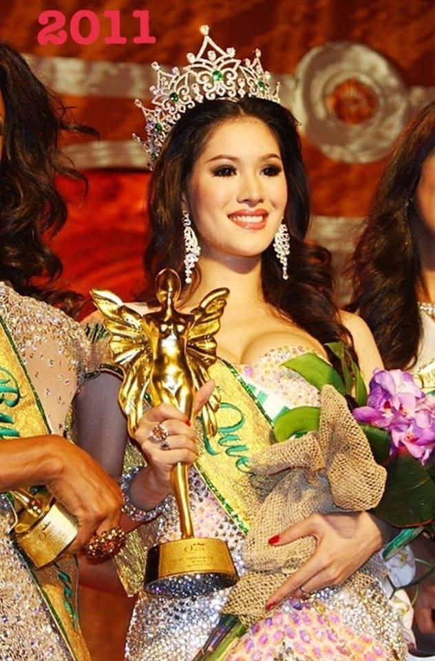 Sirapassorn Atthayakorn đã mang chiếc vương miện Hoa hậu Chuyển giới Quốc tế thứ ba về cho Thái Lan. Cô đăng quang vào năm 2011 trong sự đồng thuận của số đông dư luận.