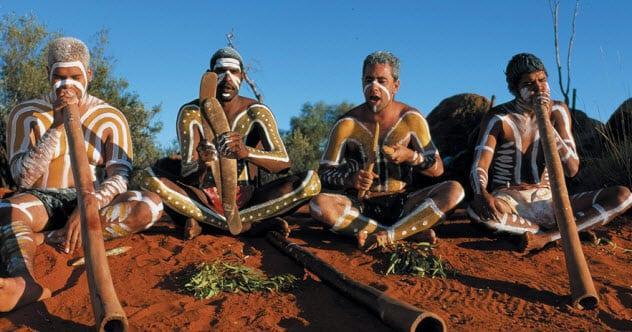 Thổ dân Úc với thị lực tuyệt vời. Ảnh: Listverse