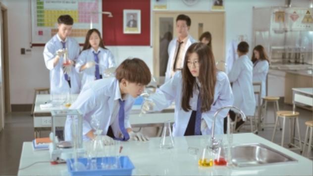 """[REVIEW - BỘ PHIM]  """"Siêu quậy có bầu"""" một bộ phim nói về thực trạng giới tình học đường ngày nay"""