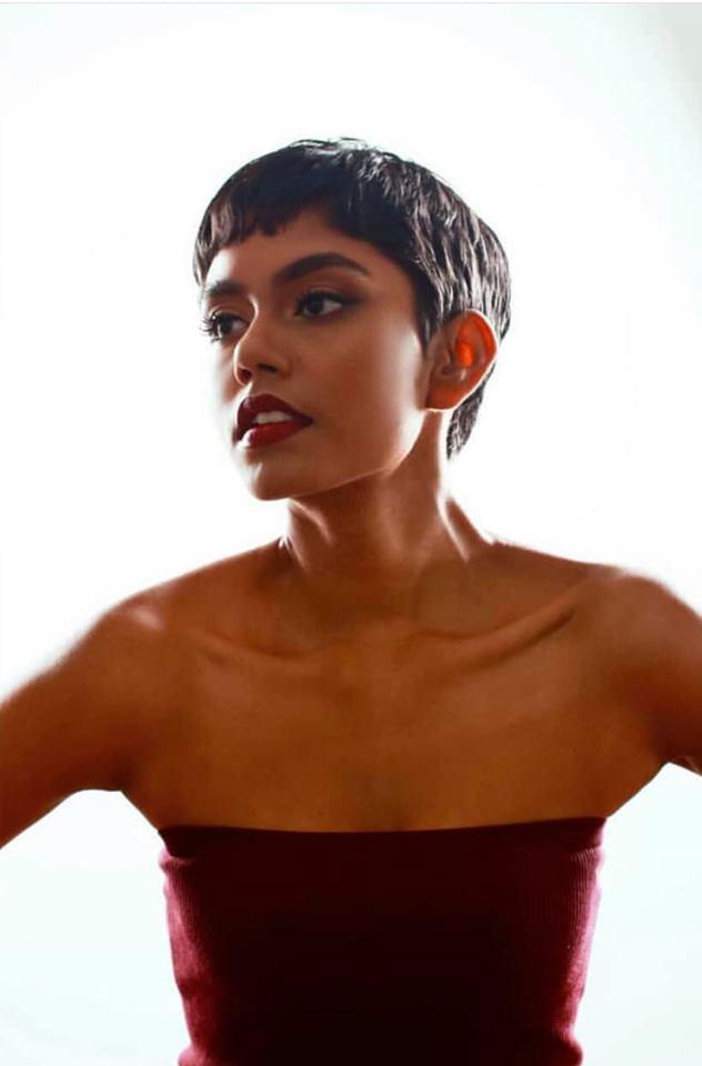 Mohana Prabha là cô gái có mái tóc tém thứ 3 ở mùa giải Miss Universe năm nay sau Hoa hậu Nam Phi, Tanzania.