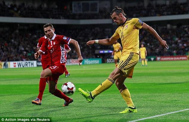 Ngoài ra, xứ Wales với ngôi sao lớn nhất Gareth Bale cũng tràn trề cơ hội dự World Cup với chiến thắng 2-0 trên sân khách trước Moldova.