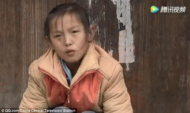 Cô béBangju, 13 tuổi, sống tại Qúy Châu, Trung Quốc.