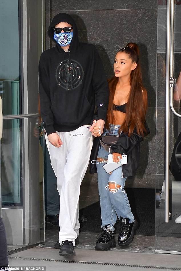 Đùa giỡn trước thảm sát concert Manchester, Pete Davidson có xứng đáng được Ariana Grande trao cả cuộc đời? ảnh 0