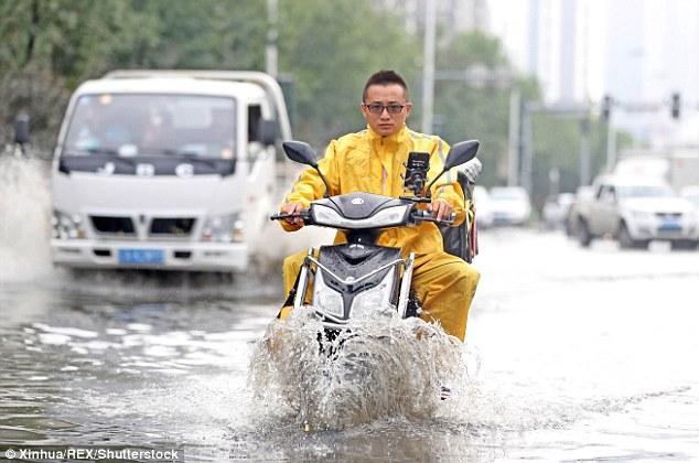 Theo Cục khí tượng tỉnh Liêu Ninh, mưa lớn sẽ tiếp tục diễn ra vào cuối tuần này.