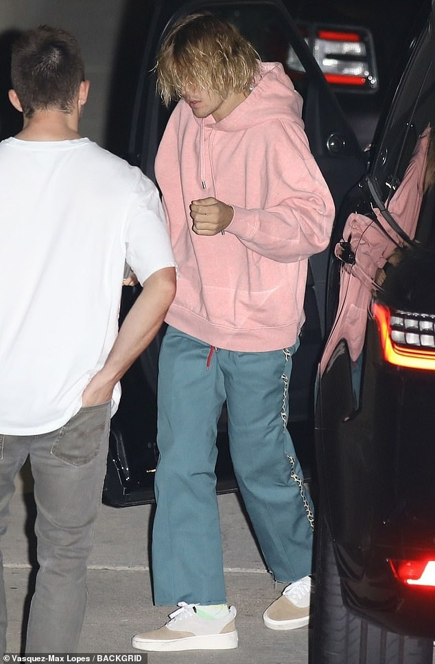 Justin Bieber xuất hiện vô cùng thảm hại khi nghe tin Selena Gomez phải điều trị tâm thần ảnh 2