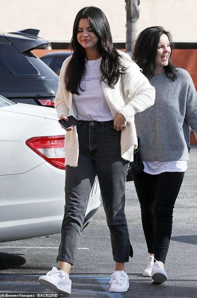 Selena Gomez chứng minh cho định nghĩa 'càng béo càng xinh' ảnh 0