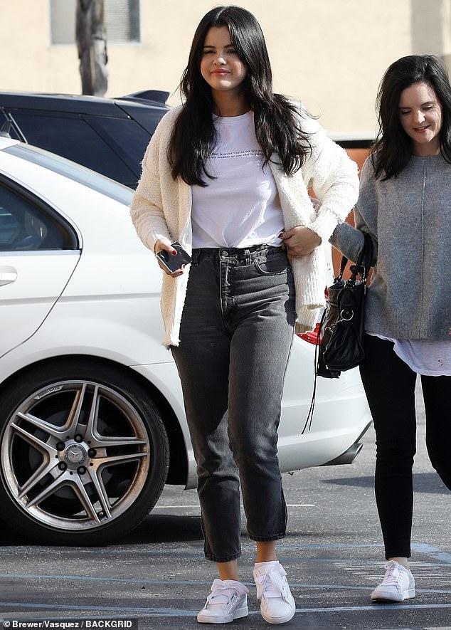 Selena Gomez chứng minh cho định nghĩa 'càng béo càng xinh' ảnh 2