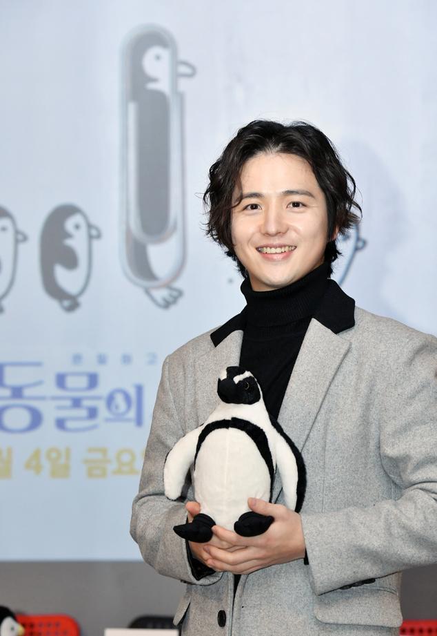 Moonie đã mời người bạn thân nhất của mình, Kim Hye Sung làm trợ lý đạo diễn.