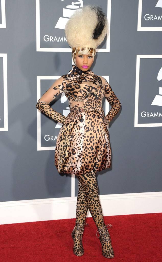 Và Nicki Minaj… thắng 0 giải trên tổng số 10 đề cử. Nữ rapper vẫn giàu nghị lực, đi dự liên tục để khoe đồ đẹp trên thảm đỏ.