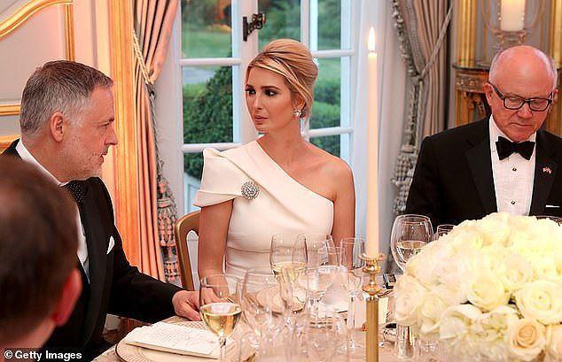 Góc nghiêng thần thánh của Ái nữ nhà Trump toát lên sự sang trọng, kiêu sa