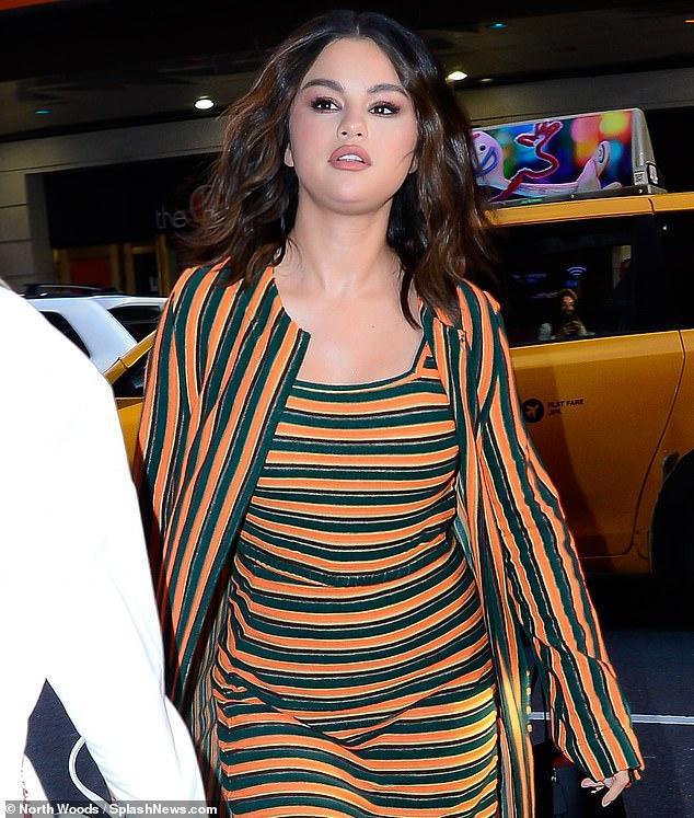 Bạn có tin đây đích thị là Selena Gomez xinh đẹp, nhỏ nhắn ngày nào? ảnh 4
