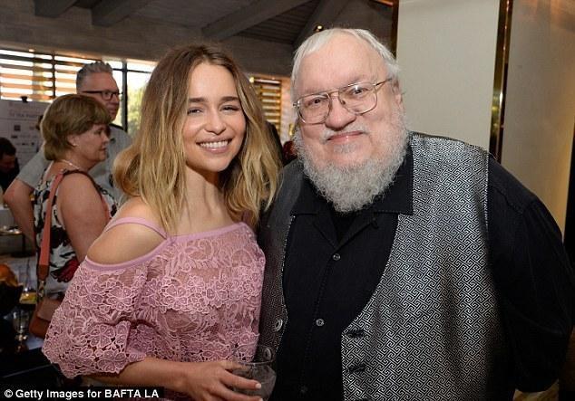 Cha đẻ của Game of Thrones đổ lỗi chính bộ phim là nguyên nhân khiến tác giả viết sách chậm như thế ảnh 1