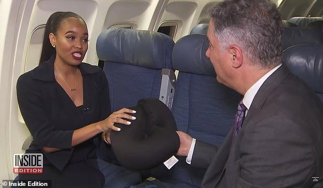Jamila cũng khuyên mọi người nên mang gối hoặc chăn của mình nếu có thể, thay vì dùng của hãng hàng không.(Ảnh:Inside Edition)