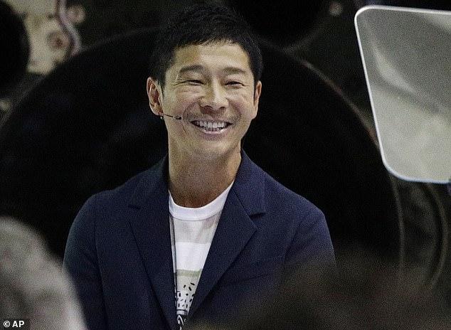 Tỷ phúYusaku Maezawa. Ảnh: AP