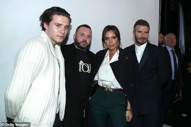 Loạt hình ảnh cả gia đình Beckham dự sự kiện thời trang thu hút sự chú ý của khán giả và truyền thông, điển hình là khi cả nhà cùng tham dự show Diot vừa qua