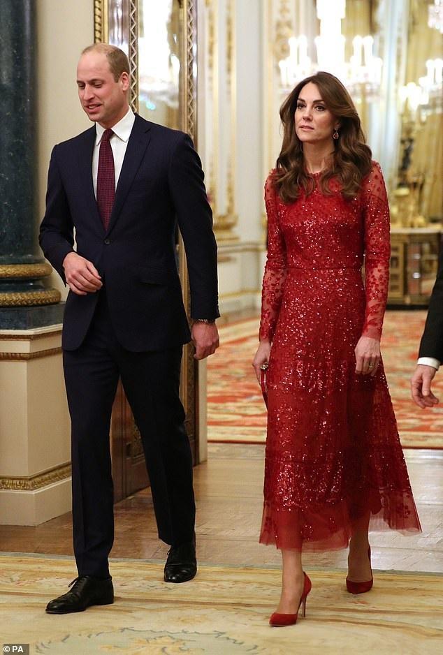 Công nương Kate Middleton nổi bật trong chiếc váy đỏ sequin lấp lánh thu hút bao ánh nhìn vừa qua