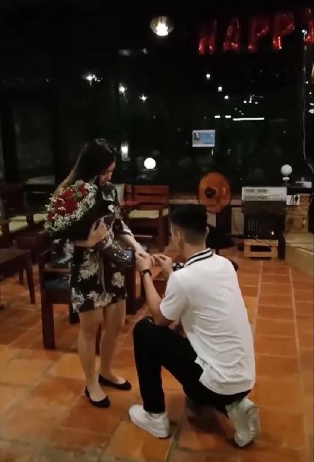 Giây phút Xuân Quốc cầu hôn Diệu Linh